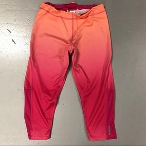 Reebok PlayDry Stretch Capri Pants Pink Sz Medium
